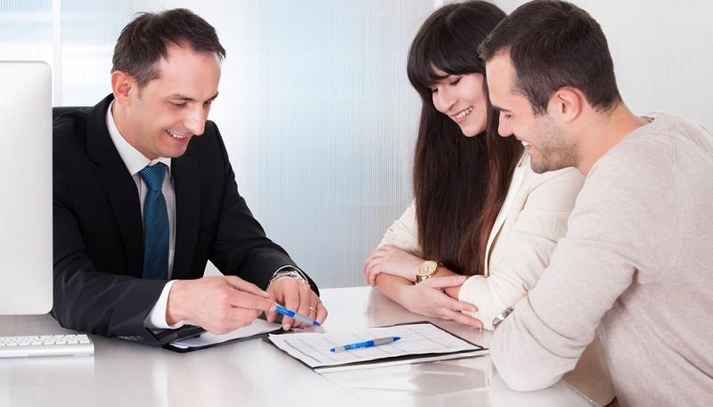 Kleinstunternehmer können zwar besondere Regelungen beim Finanzamt beantragen und der Freibetrag für Einzelunternehmen bezüglich der Gewerbesteuer liegt bei 24.500 Euro, aber eine Nichtanmeldung des Gewerbes kann zu empfindlichen Bußgeldern führen.