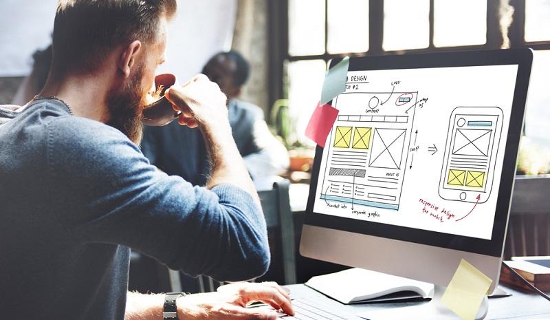 Gegen den Aufbau eines eigenen Internetshops durch den Kleinunternehmer sprechen Kosten und Aufwand. Neben dem Webhosting und der Webseitenerstellung hapert es vor allem an der Reichweite – Suchmaschinenoptimierung und -marketing bekommt man nicht zum Nulltarif.