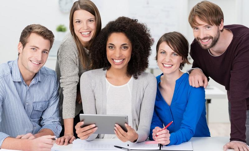 Selbstständig zu arbeiten, sein eigener Chef zu sein und die eigenen Geschäftsideen umzusetzen, ist der Wunsch vieler Arbeitnehmer.