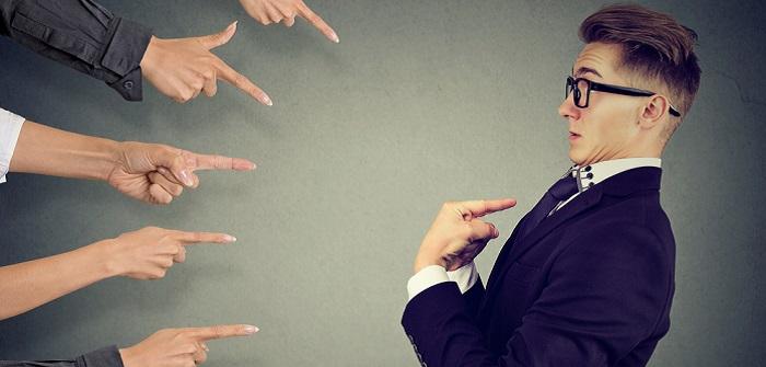 Betriebshaftpflichtversicherung: Was nützt sie Selbständigen, Kleinunternehmern, Kleingewerbe und KMU wirklich ( Foto: Shutterstock- pathdoc _)