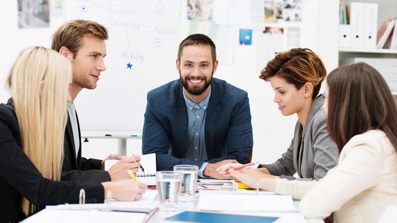 Vorher sich ausreichend zu besprechen, sich informieren schafft Klarheit ( Foto: Shutterstock-stockfour_)